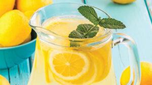 Como Hacer Agua de Limon con Menta