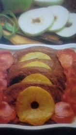 Higado con tocino manzanas y cebollas caramelizadas