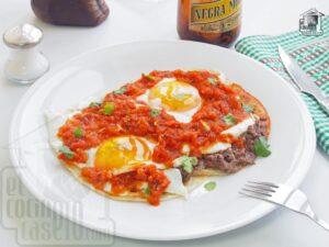 Huevos Rancheros Mexicanos de Desayuno