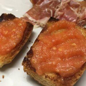Pan con Tomate al Estilo Español de Desayuno