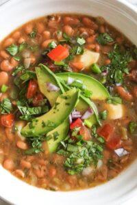 Receta de Sopa de Frijoles Pintos  Mexicana