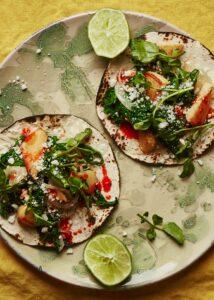 Tacos de Rutabaga con Verduras y Queso Fresco